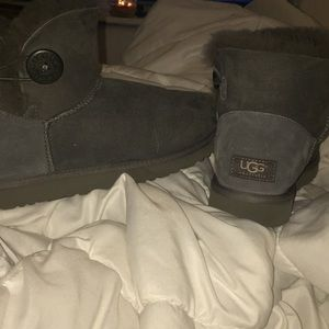 Grey authentic bailey button uggs
